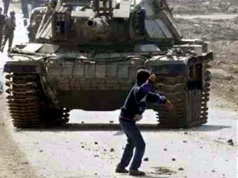 palestine-boy_vs_tank.jpg